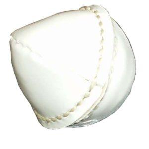 Kožený kriketový míček