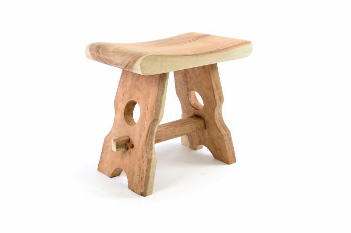 Masivní stolička z mungurového dřeva DIVERO - ruční práce